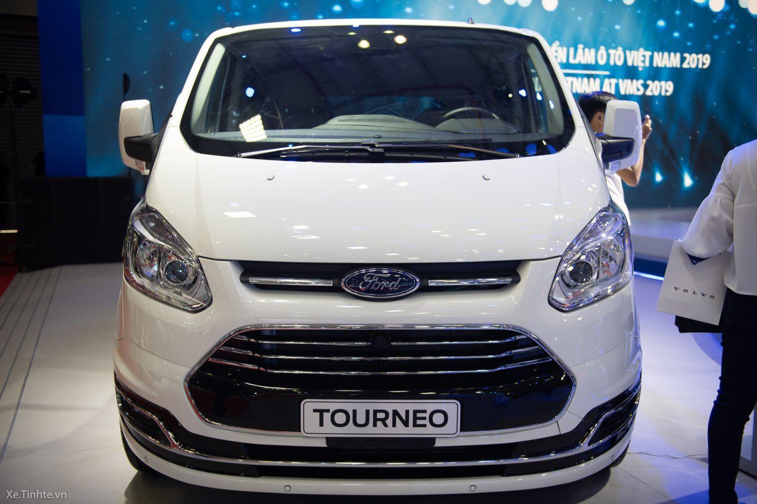 Ford Turneo rộng rãi và thoải mái